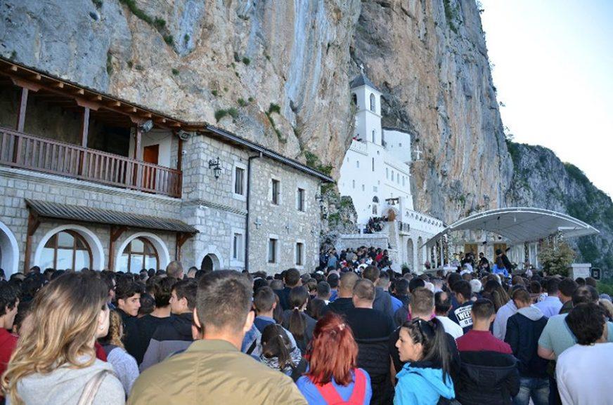 SUTRA SVETI VASILIJE OSTROŠKI Manastir Ostrog mjesto hodočašća za vjernike svih religija