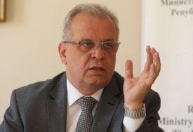 """""""NEMA POTREBE ZA STRAH"""" Damjanović tvrdi da se učenici NISU ZARAZILI U ŠKOLI"""