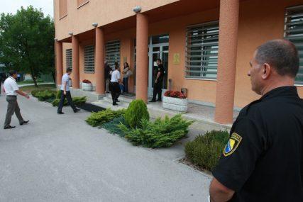 Cariniku godina zatvora zbog primanja mita od 60 evra