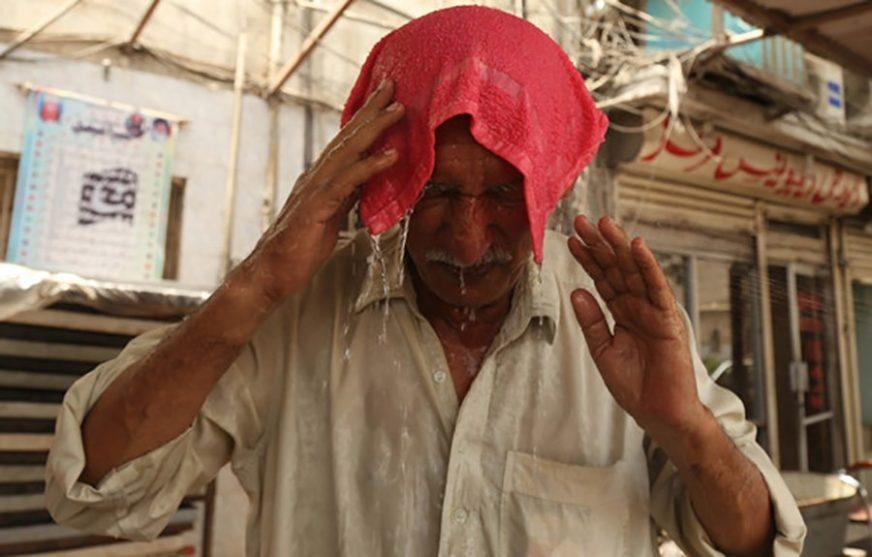 GORI ZEMLJA Toplotni talas ODNIO 36 ŽIVOTA, umiru uglavnom najsiromašniji radnici