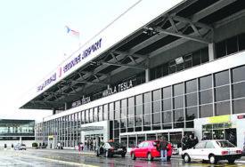 KORONA UZELA SVOJ DANAK Na beogradskom aerodromu 61,4 odsto manje putnika