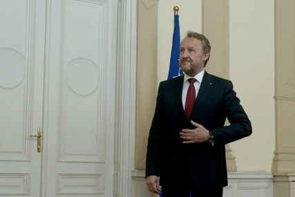IZETBEGOVIĆ NA TAPETU Upravni odbor PIK danas raspravlja o OSPORAVANJU IMENA Republike Srpske