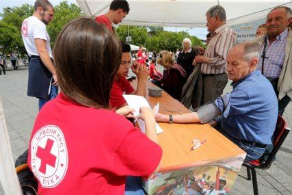 PUNE RUKE POSLA Nedjelju Crvenog krsta obilježavaju radno, HUMANI POTEZI na prvom mjestu (FOTO)