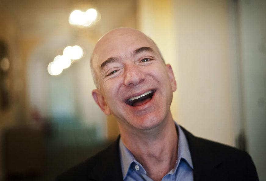 Bezos: Živjećemo na ZEMLJI, a raditi u SVEMIRU