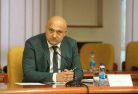 Ilić: Nije tačno da sam prozivao i optuživao MRTVOG MOMKA, niti sam tvrdio da je u pitanju ZADESNA SMRT