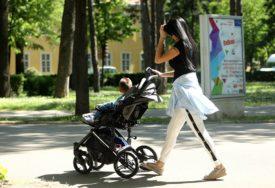 Isplata oktobarskog materinskog i dodatka na djecu u RS