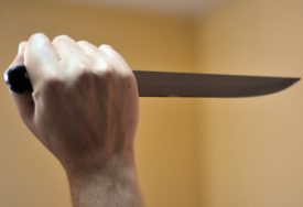 KRVAVI PIR U BIHAĆU U tuči migranata jedna osoba povrijeđena nožem