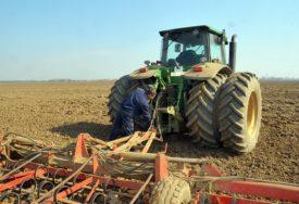 PREVARANTIMA PROPAO REKET Novac za traktore i mašine dobiće svi koji su podnijeli ZAHTJEV ZA SUBVENCIJU