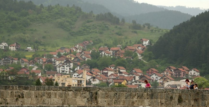 Više naselja u opštini Višegrad dobija javnu rasvjetu