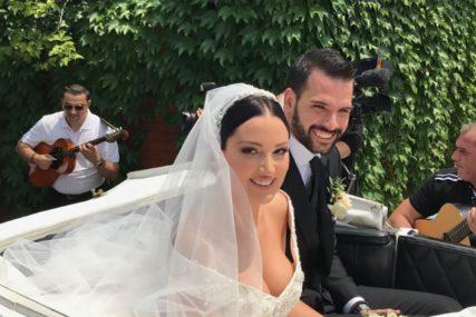 """""""ONO O ČEMU MOGU PRIČATI SU PJESME"""" Aleksandra Prijović otktila zašto NE GOVORI o trudnoći"""