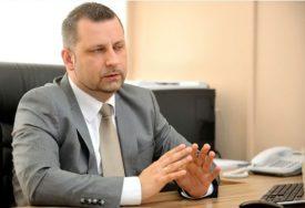 STAŠIĆ BIO U SVOM DVORIŠTU Kamenovan srpski povratnik u Drenovcu kod Kline