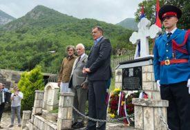 """Dodik, Bećković i Kusturica odali počast žrtvama """"Crne legije"""""""