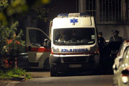 BORI SE ZA ŽIVOT Muškarac šrafcigerom izboden na ulici, bez svijesti prevezen u bolnicu