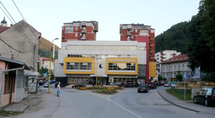 PROJEKTI DOSTAVLJENI, OBEĆANI MILIONI ZABORAVLJENI Maćehinski odnos Savjeta ministara BiH prema Srebrenici