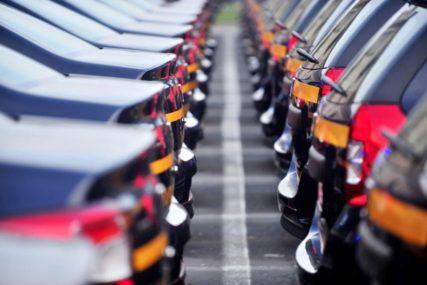 Proizvođači automobila upozoravaju Trampa: Uvođenje tarifa dovešće do gubitka više stotina hiljada radnih mjesta u SAD
