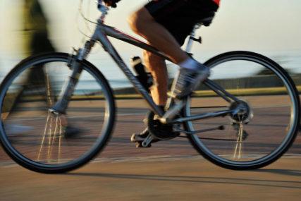 """Vlada Holandije planira da plaća naknade onima koji se voze na DVA TOČKA: """"Izađimo iz automobila i sjednimo na bicikle"""""""