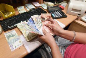 SHVATILA, ALI KAD JE VEĆ BILO KASNO Službenici pošte skidali ženi pare sa računa
