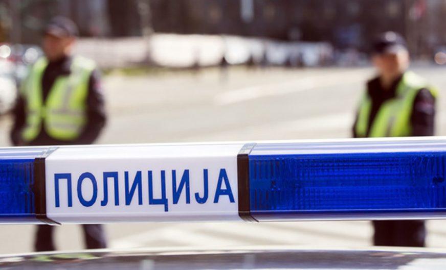 Automobilom udario policajca, pa mu prijetio AUTOMATSKOM PUŠKOM