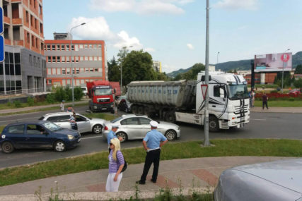 POLICAJCI SPREMILI ROKOVNIKE Poručili građanima da nezadovoljstvo zbog cijene goriva izražavaju u SKLADU SA ZAKONOM, inače će PLATITI KAZNU