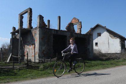 SPUŠTAJU RAMPU PREMA EU Šta stoji iza najava da će raseljeni tražiti naknadu za uništenu imovinu