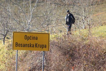 PODRŠKA LIJEČENJU SUGRAĐANA Opština Bosanska Krupa novac za novogodišnje ukrase donira u humanitarne svrhe