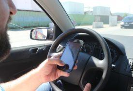 Sjeo i odvezao se, pa doživio ŠOK: Ukrao vozilo pred crkvom s NEUGODNIM IZNENAĐENJEM (FOTO)