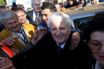OSUMNJIČEN ZA ZLOUPOTREBU POLOŽAJA Fikretu Abdiću određen jednomjesečni pritvor