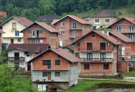 LEGALIZACIJU KOČE IMOVINSKI ODNOSI U Brčko distriktu uređuju izgradnju divljih objekata