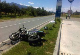 NESREĆA NA PREVOJU Povrijeđeni motociklista prebačen u bolnicu