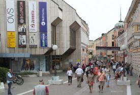 Engleski jezik POBIJEDIO srpski: Tek po neko ime firme u Banjaluci ispisano ĆIRILICOM
