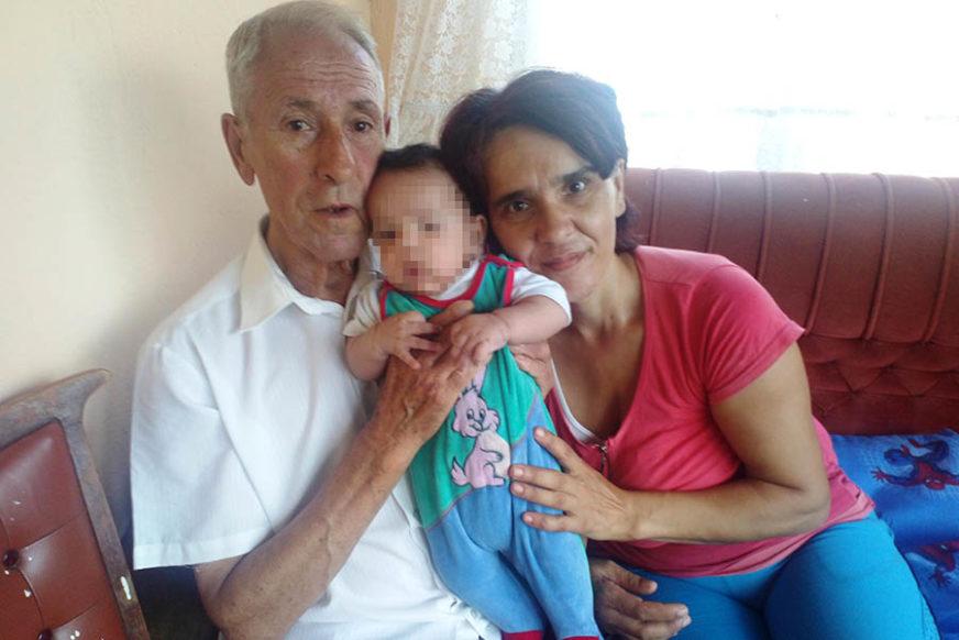 NJIHOVA LJUBAV JE RAZNJEŽILA REGION Mali Stefan unio novu radost u život 80-ogodišnjeg oca i DUPLO MLAĐE majke