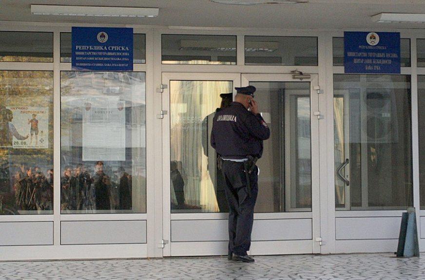 Opljačkana kladionica u Banjaluci: Prijeteći pištoljem RAZBOJNIK OTEO 800 MARAKA