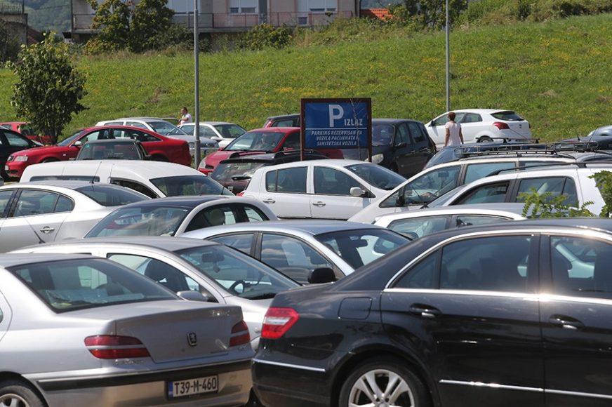 HAOS NA PAPRIKOVCU Parking kod UKC i dalje jedan od većih problema Banjaluke