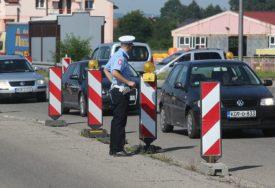 NEISPRAVNIM AUTOBUSIMA PREVOZILI DJECU Kontrola vozila na području Prijedora