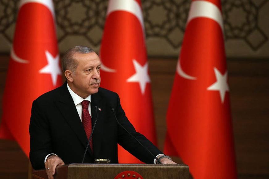 """""""SAMO MU SE TRAMP RADUJE"""" Mediji pred Erdoganovu posjetu Americi"""