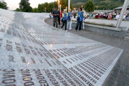 Prve komšije, a ne idu jedni drugima na žalost: Komemoracije u Bratuncu i Srebrenici najbolji pokazatelj RAZJEDINJENOSTI NARODA u BiH