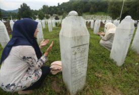 """""""MEĐUNARODNA ZAJEDNICA JE IZNEVJERILA UBIJENE"""" Incko, Klinton i princ Čarls o Srebrenici"""