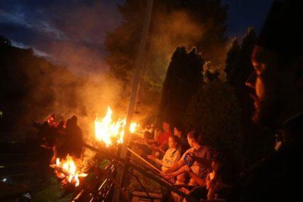 """""""Mnogo je vjerovanja"""" Prvim lilama počelo obilježavanje Petrovdana na Romaniji"""