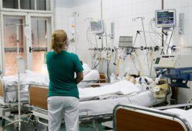 """DVA PACIJENTA NA RESPIRATORU U bolnici """"Srbija"""" u Istočnom Sarajevu na liječenju od korone 26 osoba"""