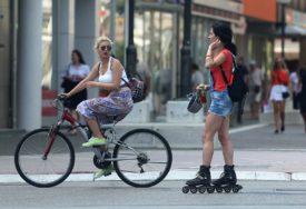 SVE MANJE U UPOTREBI JAVNI PREVOZ Od početka pandemije u Evropi uloženo milijardu evra u biciklističku infrastrukturu