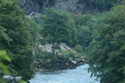 U nesreći u kanjonu Tijesno poginuo mladić iz Jezera