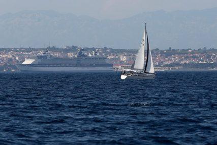 NESTALA ŠESTOČLANA POSADA Spasioci pronašli dva prazna čamca
