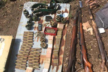 Uhapšeni provalnici, nađena veća količina oružja i municije