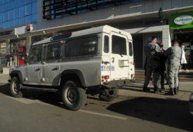 LIKVIDIRAN ISPRED RESTORANA Pripadnik kriminalne grupe IZREŠETAN u automobilu