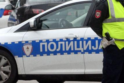 Nesreća u Kotor Varošu: Povrijeđena dva pješaka, hitno prevezeni u UKC RS