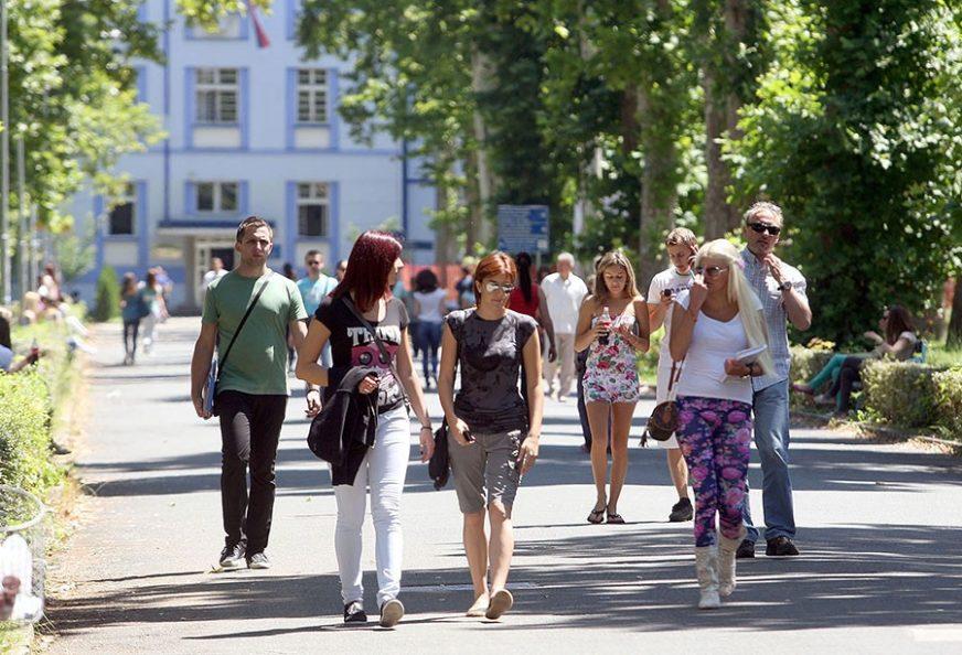 STUDENATA FALI ČAK I NA MEDICINI Na Univerzitetu u Banjaluci još 1.531 slobodno mjesto
