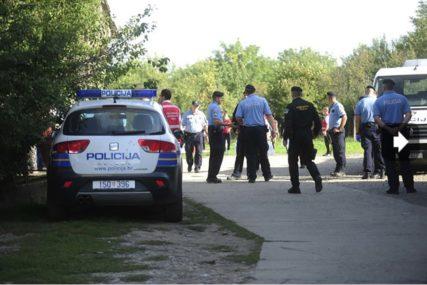 BJEŽALI OD POLICIJE, SLETJELI U RIJEKU Hrvatska policija spasila 11 migranata, jedna žena stradala