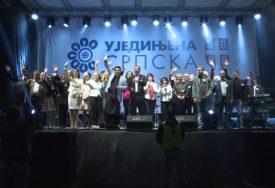 SAKUPILI 11.550 KM Funkcioneri Ujedinjene Srpske uplaćuju lični novac u Fond solidarnosti (FOTO)