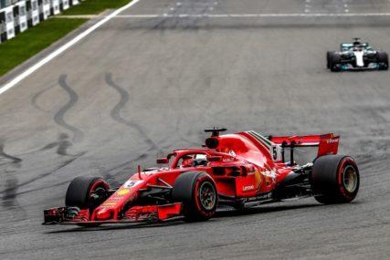 """HAMILTON SE IGRA SA NAMA"" Fetel frustriran apsolutnom dominacijom Mercedesa"