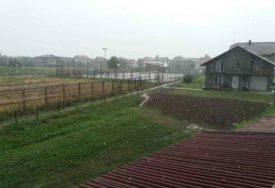 OSVJEŽENJE BILO PRIJEKO POTREBNO Jaka kiša obradovala poljoprivrednike u Potkozarju (VIDEO)